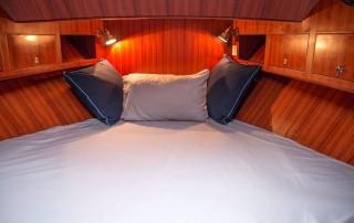 Le Tara yacht bed